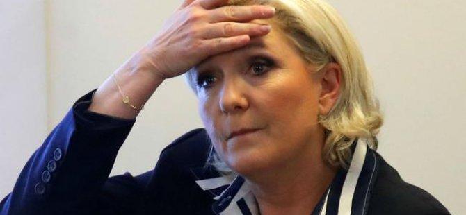 Le Pen'e psikolog yolu göründü