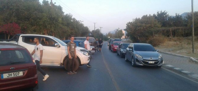 Girne oteller bölgesinde akaryakıt zammı protestosu...