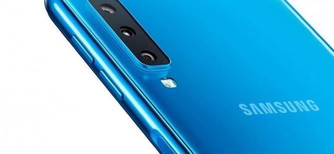 Samsung'dan üç arka kameralı telefon