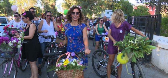 """""""Süslü Kadınlar Bisiklet Turu"""" gerçekleştirildi"""