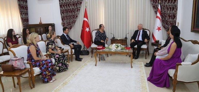 """Töre, """"XXI. Türksoy Opera Günleri"""" kapsamında KKTC'ye gelen opera sanatçılarını kabul etti"""