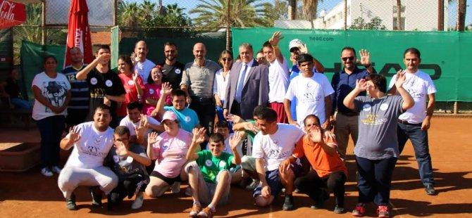 Gazimağusa Belediyesi Tenis Kulübü farkindalik etkinliği düzenledi