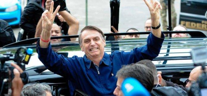 Brezilya'da ilk turu aşırı sağcı Bolsonaro kazandı