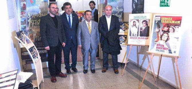"""""""Film Afişlerinde Kıbrıs"""" sergisi 3. Türk dünyası belgesel film Festivali'nde açıldı"""