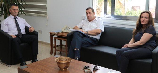 Denktaş, Hava Trafik Kontrolörleri Derneği Başkanı Derkan'ı kabul etti