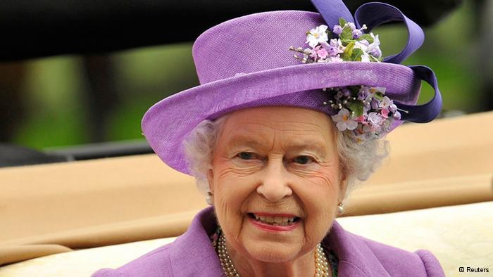 İngiltere Kraliçesi Bebek Bekliyor