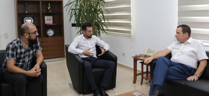 Denktaş, Kıbrıs Türk Hemşireler ve Ebeler Sendikası'nı kabul etti