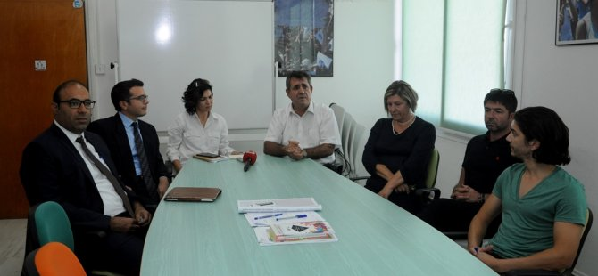 """KTÖS ve KTOEÖS, """"Kıbrıs Cumhuriyeti"""" vatandaşlıklarıyla ilgili mağduriyet yaşadığına inanan kişiler Aralık sonuna kadar başvuru yapabilecek"""