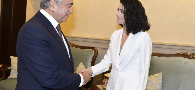Cumhurbaşkanı Akıncı, Hazar Ergüçlü'yü kutladı