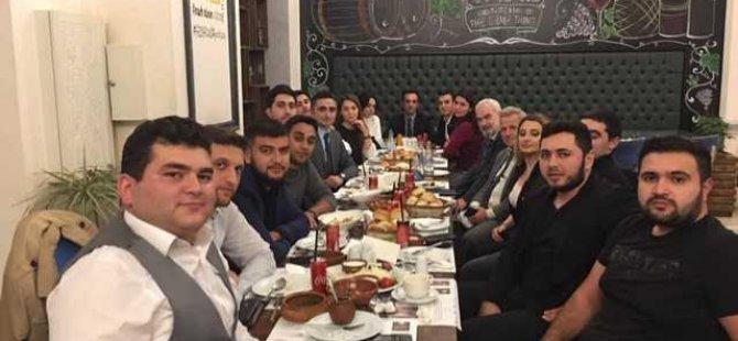 Azerbaycan'daki DAÜ mezunları buluştu