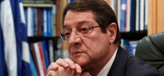 """Siyasi partilerden Anastasiadis'e """"Desantralizasyonu Netleştir"""" baskısı"""