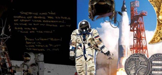 Neil Armstrong'un eşyaları 7,4 milyon dolara satıldı