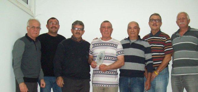 Mustafa Özyıldız ödülünü aldı