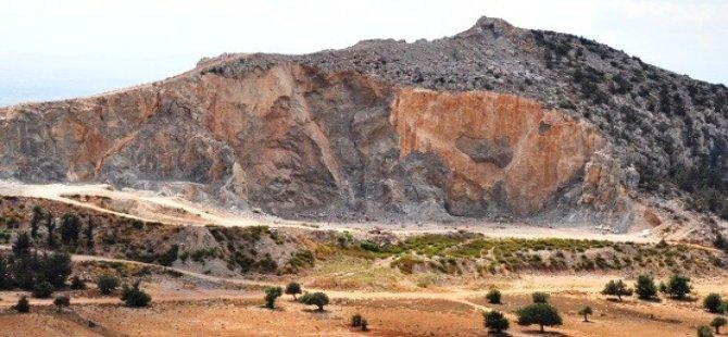 Mavridis, Beşparmaklar'daki taş ocaklarını AB'ye şikayet etti