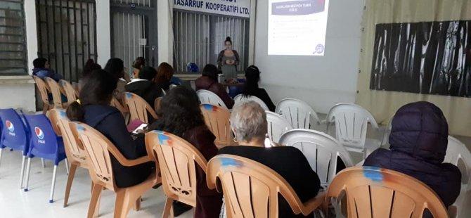 """Kadın Eğitimi Kolektifi ile Göçtaş işbirliğinde """"Medya ve Kadın"""" semineri düzenlendi"""