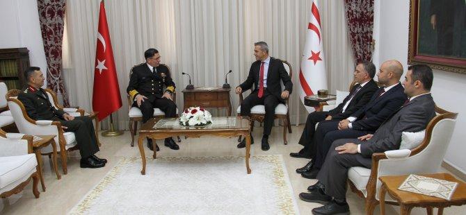 Uluçay Oramiral Özbal'ı kabul etti