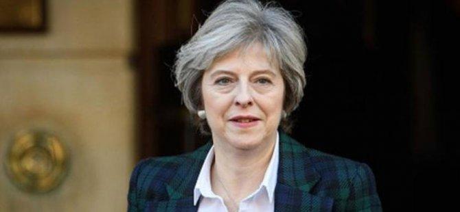 """İngiltere Başbakanı May için """"güvensizlik oylaması"""" talep edildi"""