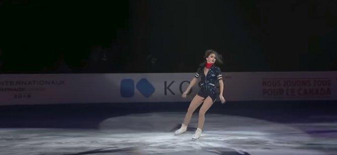 Rus artistik patinajcı Tuktamişeva, buz üstündeki 'striptiz' dansıyla sosyal medyada yeni bir akım başlattı