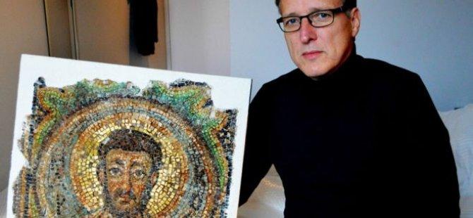 'Sanatın Indiana Jones'u' KKTC'den çalınmış mozaiği buldu