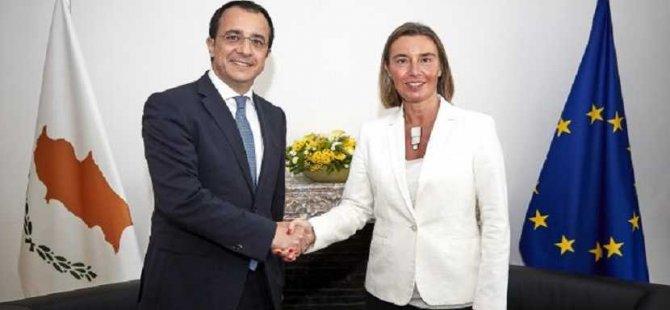 Hristodulidis Brüksel'de Mogherini'yle görüştü