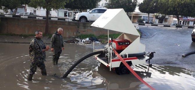 Sivil Savunma Ekipleri sel baskınlarına müdahale etti