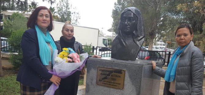 """""""YDP Kadın Kolları Atatürk ve Zübeyde hanımı unutmadı"""""""