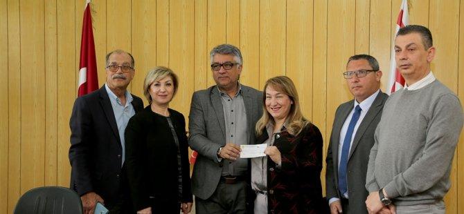 Kuaförler Birliği ve Güzellik Uzmanları Birliğinden Kalkanlı Yaşam Evi için bağış