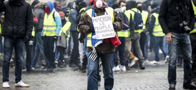 """Fransa'da """"Sarı Yelekliler""""in gösterilerine 33 bin 500 kişi katıldı"""