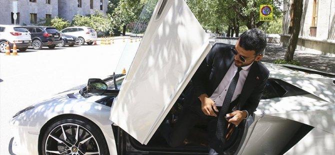 Lamborghini sahibi AKP milletvekili 'senatör' diye kartvizit bastırdı