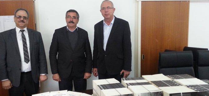 Dikmen Belediyesi'ne kitap bağışı