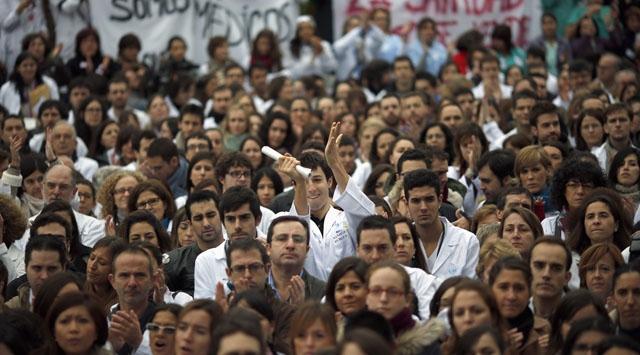 İspanya'da halk sokaklara döküldü