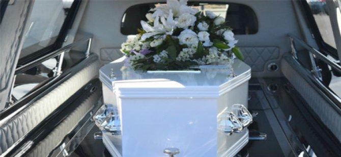 Para alamayan Papaz ölü için tabut vermedi