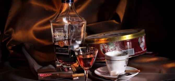Makul miktarda alkol ve kahve içenlere iyi haber