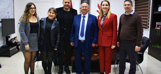 Özyiğit, Tiyatro Sanatçısı Hüseyin Köroğlu'nu kabul etti