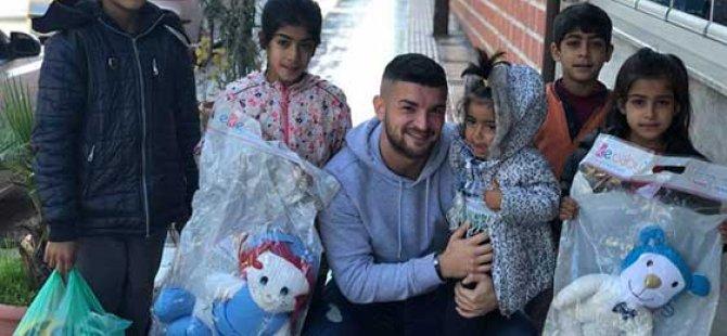 KKTC'de futbolcu olan Cihan Duman Şanlıurfalı çocukları sevindirdi