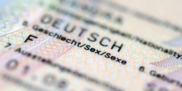Almanya'da üçüncü cinsiyet uygulaması başladı