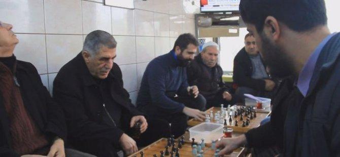 Diyarbakır'daki Yüksek Kahve'den Dünya Dama Turnuvası'nda şampiyonluğa