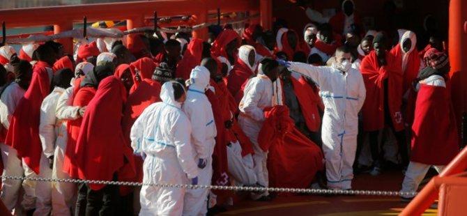 Malta 49 göçmeni taşıyan 2 gemiye limanlarını açtı