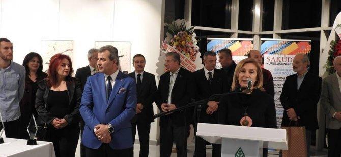 Kıbrıslı Türk Sanatçı Emel Samioğlu'na Türkiye'de ödül