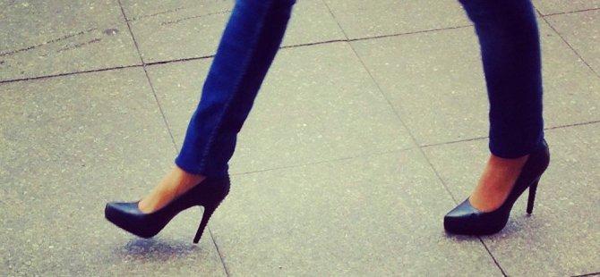 Ankara'da okul müdürü öğretmenlerin topuklu ayakkabı giymesini yasakladı: Caiz değil