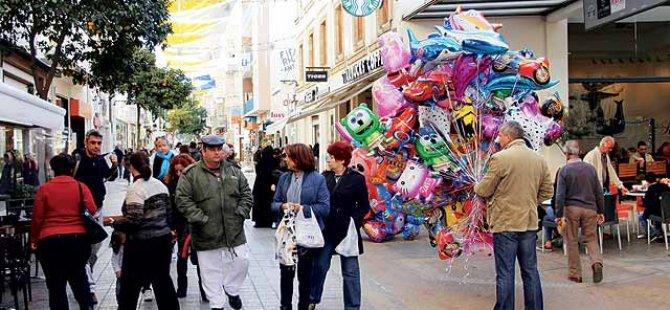 TL değer kaybetmesine rağmen karşılıklı alışverişlerde Kıbrıslı Rumlar'a göre daha fazla para harcadık
