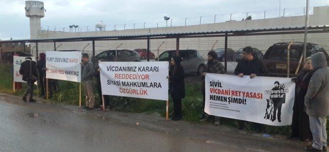 Halil Karapaşaoğlu için Vicdani Ret İnisiyatifi eylem düzenledi (video)