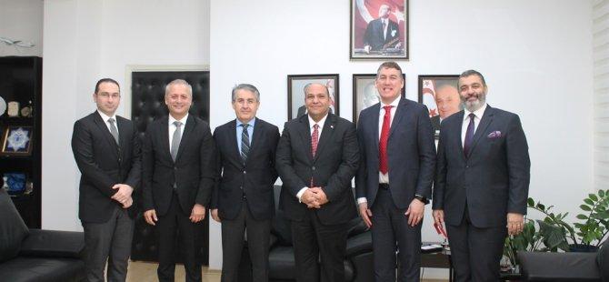 Vodafone Türkiye Ceo'su Deegan Ulaştırma Bakanı Atakan'ı ziyaret etti