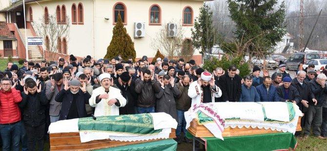 70 yıllık çift aynı gün öldü. Cenazeleri toprağa verildi