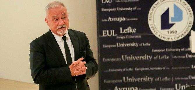 LAÜ'de Kıbrıs Türk basın tarihi üzerine konferans verildi