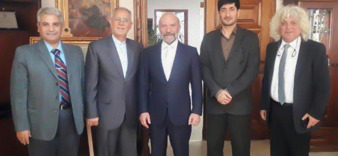 İran'ın Kıbrıs Büyükelçisi Yakın Doğu Üniversitesi Kurucu Rektörü Günsel'i ziyaret etti