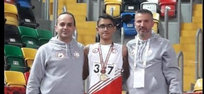 Yakın Doğu Koleji Sporcusu Gürsu Gülerler Türkiye Şampiyonu oldu