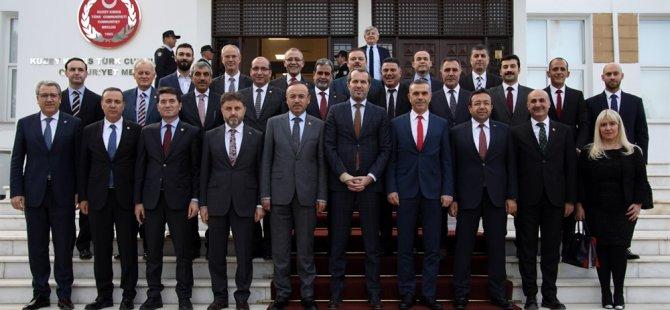 Meclis Başkanı Uluçay, TBMM Futbol Takımı heyetini kabul etti