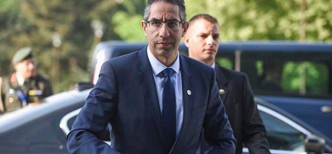 Rum Savunma Bakanı Bükreş'te
