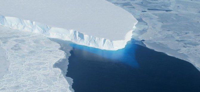 Antarktika'da devasa çukur keşfedildi